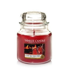 Cosy By The Fire - Średni słoik - Yankee Candle
